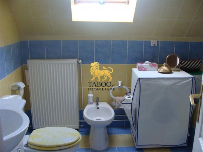 vanzare apartament cu 4 camere, decomandat, in zona Strand, orasul Sibiu