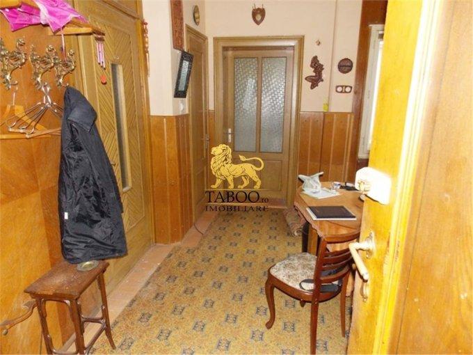 vanzare apartament cu 4 camere, semidecomandat, orasul Sibiu