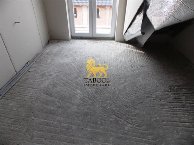 vanzare apartament decomandat, zona Calea Cisnadiei, orasul Sibiu, suprafata utila 110 mp