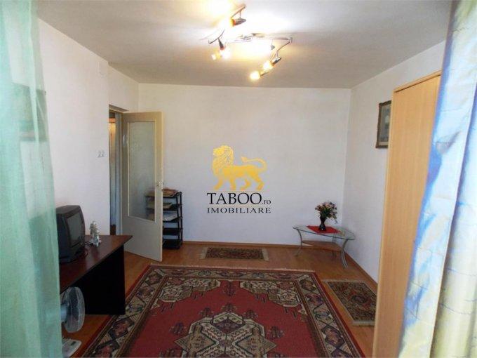 Apartament vanzare cu 4 camere, etajul 8 / 8, 1 grup sanitar, cu suprafata de 75 mp. Sibiu.