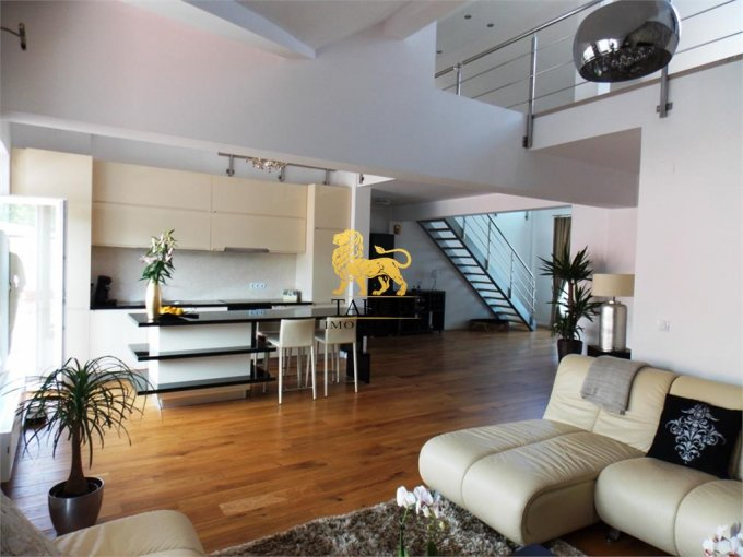 Apartament de inchiriat in Sibiu cu 4 camere, cu 1 grup sanitar, suprafata utila 180 mp. Pret: 1.300 euro.