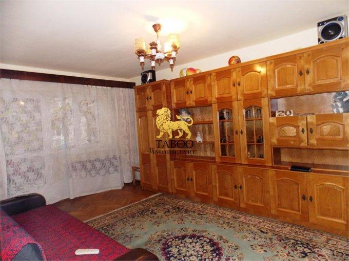 inchiriere Apartament Sibiu cu 4 camere, cu 2 grupuri sanitare, suprafata utila 98 mp. Pret: 300 euro.