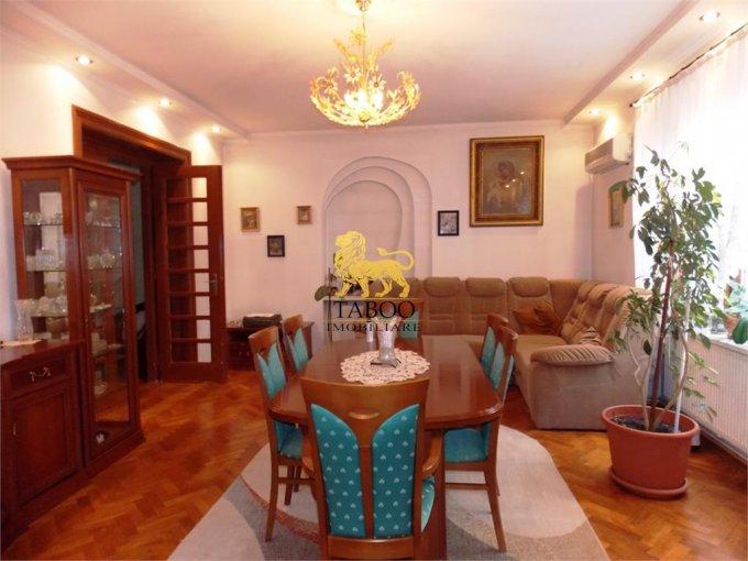 Apartament de vanzare in Sibiu cu 4 camere, cu 2 grupuri sanitare, suprafata utila 140 mp. Pret: 130.000 euro.