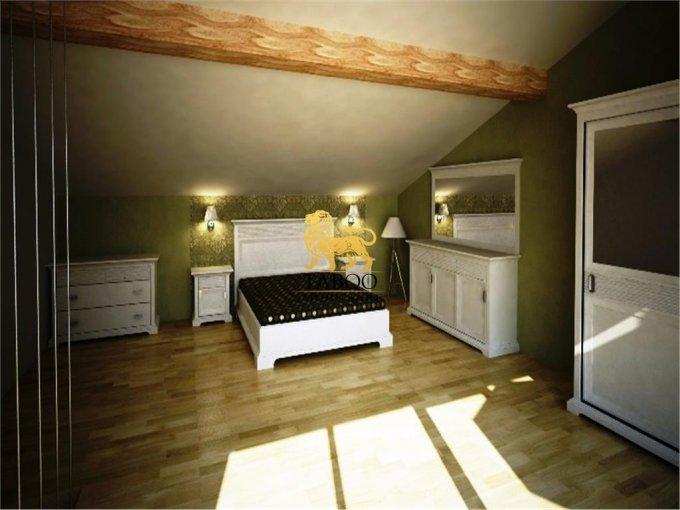 vanzare Apartament Sura Mare cu 4 camere, cu 2 grupuri sanitare, suprafata utila 118 mp. Pret: 60.000 euro.