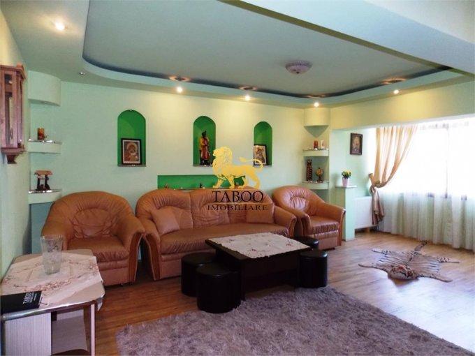 inchiriere Apartament Sibiu cu 4 camere, cu 2 grupuri sanitare, suprafata utila 90 mp. Pret: 400 euro.