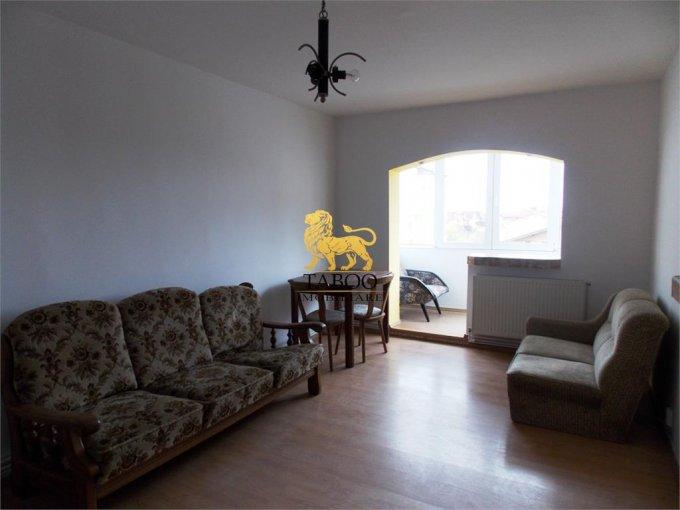 Apartament de inchiriat in Sibiu cu 4 camere, cu 2 grupuri sanitare, suprafata utila 75 mp. Pret: 350 euro.