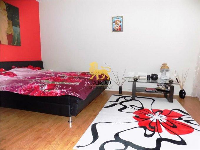 Apartament inchiriere Piata Cluj cu 4 camere, la Parter / 1, 2 grupuri sanitare, cu suprafata de 140 mp. Sibiu, zona Piata Cluj.