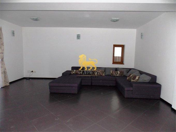 vanzare Apartament Sibiu cu 4 camere, cu 1 grup sanitar, suprafata utila 100 mp. Pret: 64.000 euro.