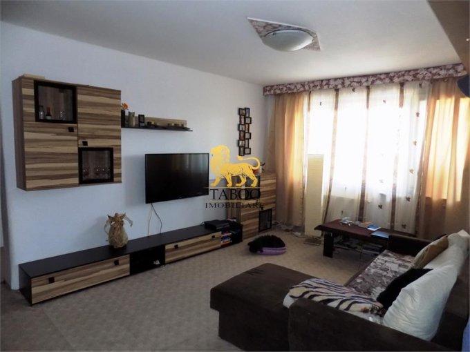 Apartament de vanzare in Sibiu cu 4 camere, cu 2 grupuri sanitare, suprafata utila 104 mp. Pret: 160.000 euro.
