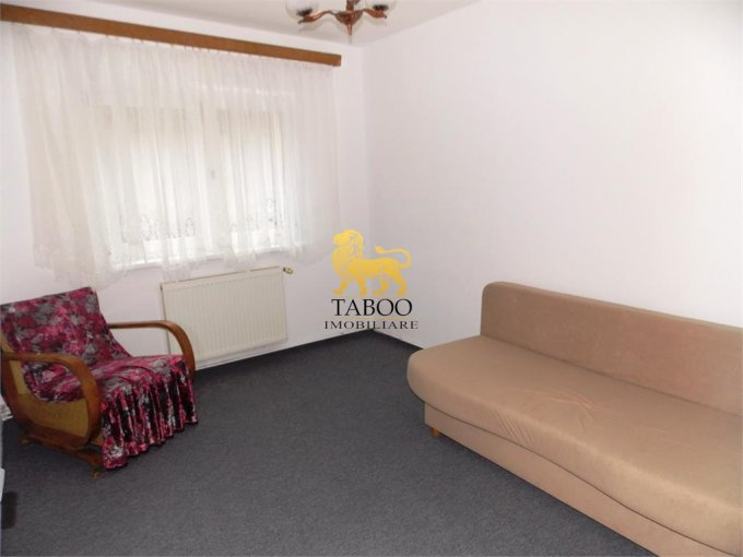 inchiriere Apartament Sibiu cu 4 camere, cu 2 grupuri sanitare, suprafata utila 72 mp. Pret: 300 euro.