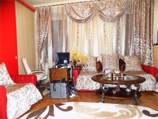 vanzare apartament cu 4 camere, decomandat, in zona Orasul de Jos, orasul Sibiu