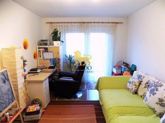 Apartament vanzare Sibiu 4 camere, suprafata utila 70 mp, 2 grupuri sanitare. 77.900 euro. Etajul 3 / 4. Apartament Calea Poplacii Sibiu