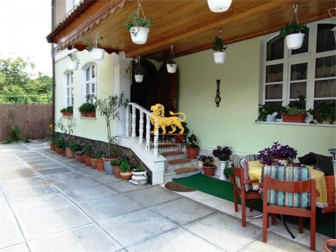 Apartament vanzare Sibiu 4 camere, suprafata utila 100 mp, 1 grup sanitar. 129.000 euro. La Parter / 1. Apartament Sibiu