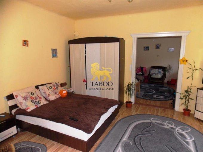 Apartament de vanzare direct de la agentie imobiliara, in Sibiu, in zona Lazaret, cu 74.000 euro. 2 grupuri sanitare, suprafata utila 125 mp.