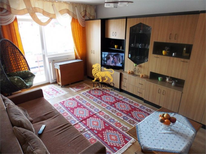 Apartament de vanzare in Sibiu cu 4 camere, cu 2 grupuri sanitare, suprafata utila 85 mp. Pret: 84.000 euro.