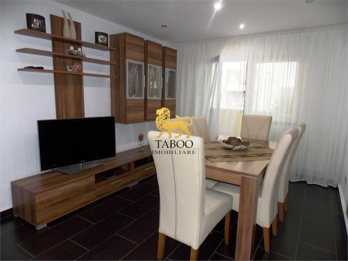 Apartament vanzare Sibiu 4 camere, suprafata utila 87 mp, 2 grupuri sanitare. 88.000 euro. Etajul 1 / 4. Apartament Terezian Sibiu