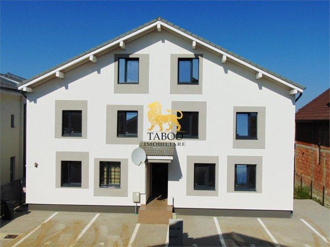 Apartament de vanzare direct de la agentie imobiliara, in Sibiu, in zona Calea Cisnadiei, cu 55.000 euro. 2 grupuri sanitare, suprafata utila 106 mp.