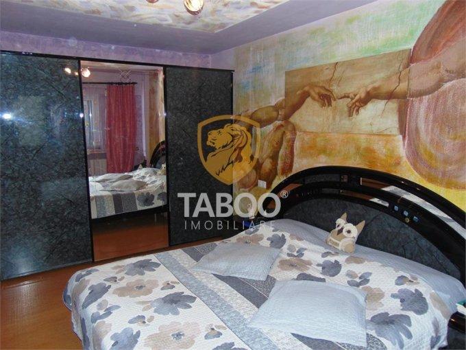 Apartament de vanzare direct de la agentie imobiliara, in Sibiu, in zona Vasile Milea, cu 79.900 euro. 2 grupuri sanitare, suprafata utila 79 mp.