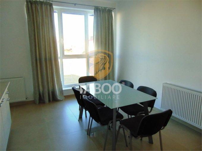 Apartament de vanzare direct de la agentie imobiliara, in Sibiu, in zona Selimbar, cu 99.000 euro. 2 grupuri sanitare, suprafata utila 130 mp.