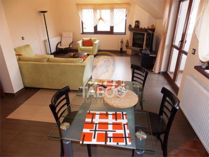 Apartament de vanzare in Sibiu cu 4 camere, cu 2 grupuri sanitare, suprafata utila 136 mp. Pret: 122.000 euro.