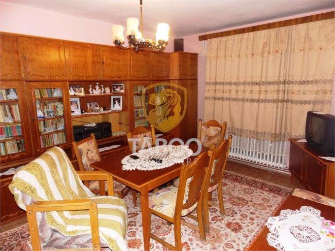 vanzare Apartament Sibiu cu 4 camere, cu 2 grupuri sanitare, suprafata utila 78 mp. Pret: 65.500 euro.