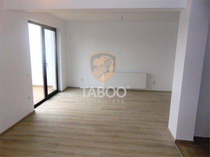 vanzare Apartament Sibiu cu 4 camere, cu 2 grupuri sanitare, suprafata utila 104 mp. Pret: 76.000 euro.
