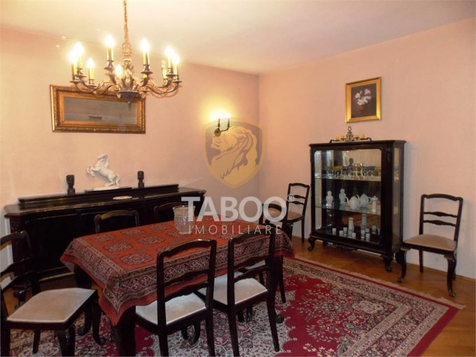 Apartament inchiriere Sibiu 4 camere, suprafata utila 150 mp, 2 grupuri sanitare. 500 euro. La Parter / 1. Apartament Parcul Sub Arini Sibiu