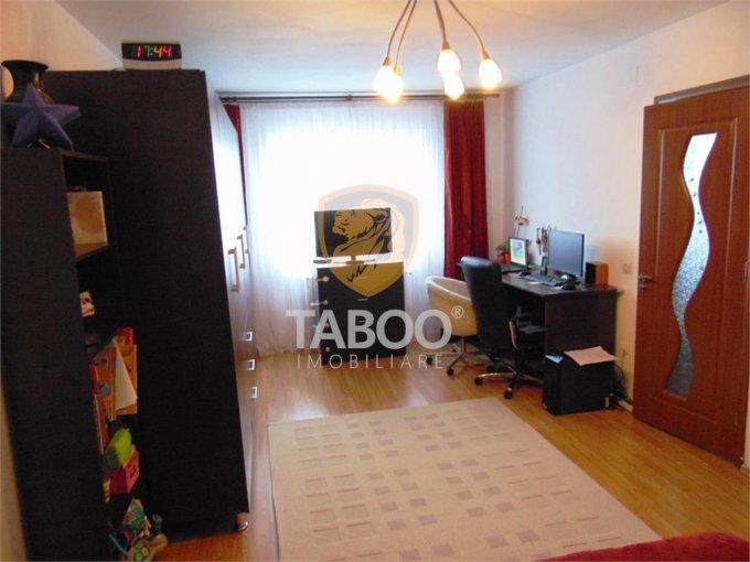 Apartament vanzare Sibiu 4 camere, suprafata utila 78 mp, 1 grup sanitar. 41.000 euro. Etajul Mansarda / 5. Apartament Compa Sibiu