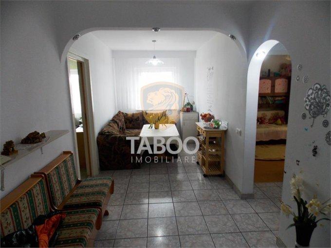 Apartament de vanzare direct de la agentie imobiliara, in Sibiu, cu 80.000 euro. 1 grup sanitar, suprafata utila 71 mp.