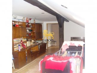 Sibiu, apartament cu 5 camere de vanzare