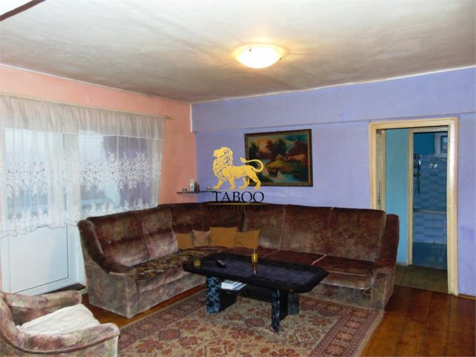 Apartament vanzare Turnisor cu 5 camere, etajul 7 / 7, 2 grupuri sanitare, cu suprafata de 117 mp. Sibiu, zona Turnisor.