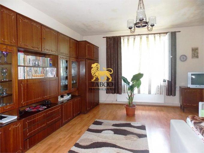 Apartament de vanzare in Sibiu cu 5 camere, cu 1 grup sanitar, suprafata utila 140 mp. Pret: 135.000 euro.