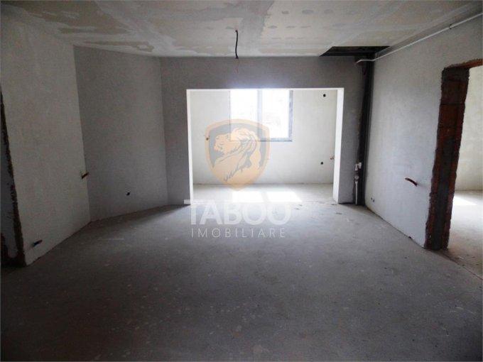 vanzare Apartament Sibiu cu 5 camere, cu 2 grupuri sanitare, suprafata utila 106 mp. Pret: 55.000 euro.