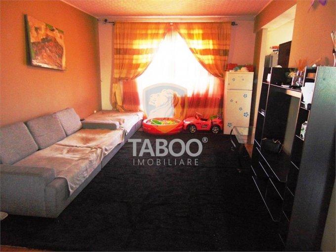 Apartament inchiriere Sibiu 5 camere, suprafata utila 140 mp, 2 grupuri sanitare. 370 euro. Etajul 2 / 3. Apartament Turnisor Sibiu