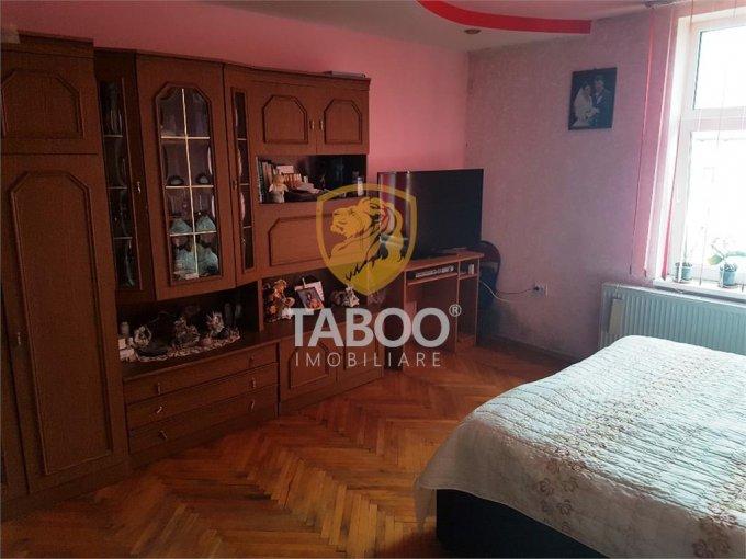 vanzare Apartament Sibiu cu 5 camere, cu 1 grup sanitar, suprafata utila 108 mp. Pret: 105.000 euro.