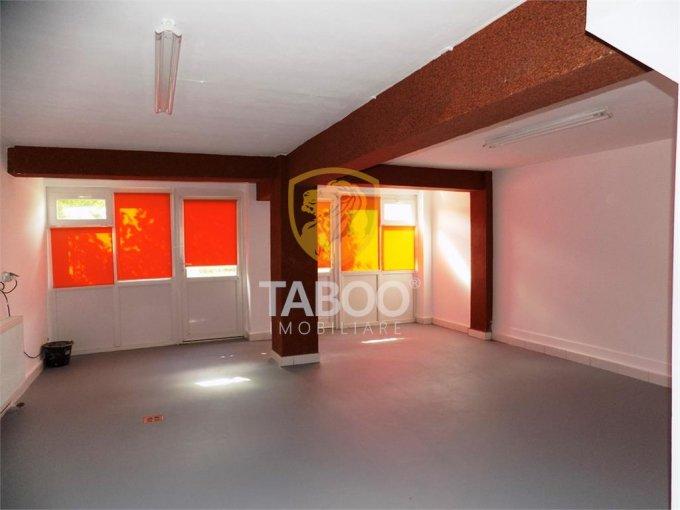 Birou de inchiriat Strand Sibiu cu 1 camera, cu 1 grup sanitar, suprafata 60 mp. Pret: 320 euro.