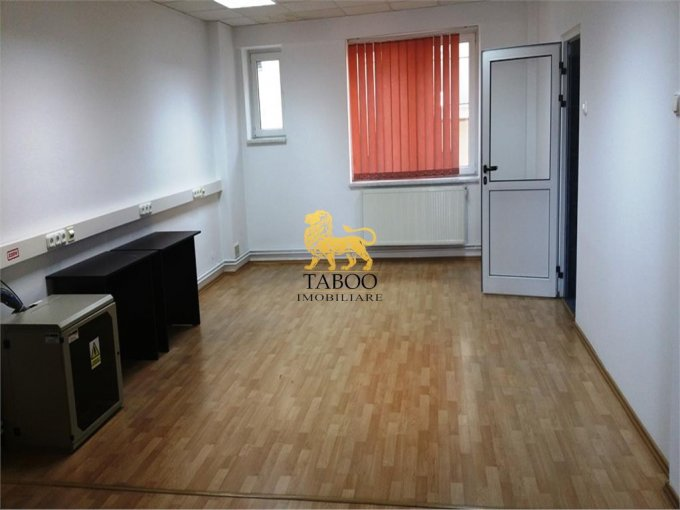 inchiriere birou cu 3 camere, 1 grup sanitar, suprafata de 120 mp. In orasul Sibiu, zona Vasile Milea.