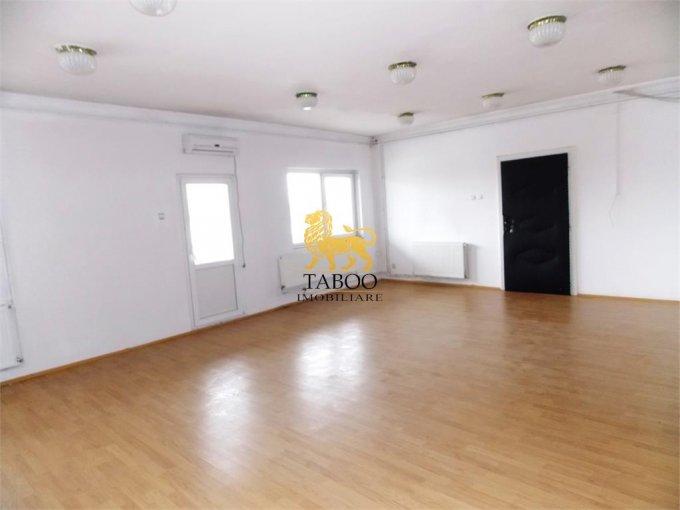 Birou de inchiriat Selimbar Sibiu cu 3 camere, cu 1 grup sanitar, suprafata 120 mp. Pret: 250 euro.