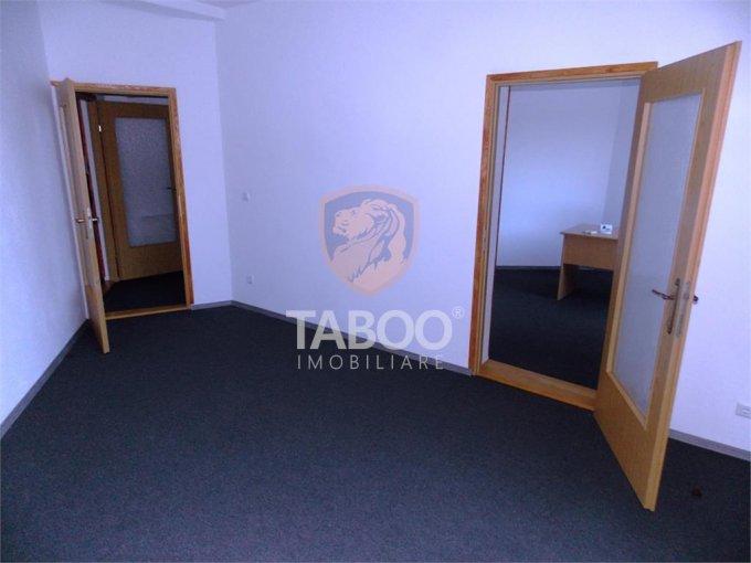 Birou inchiriere Sibiu cu 3 camere de inchiriat, cu suprafata utila de 65 mp. 600 euro. La Parter / 3 Birou Sibiu