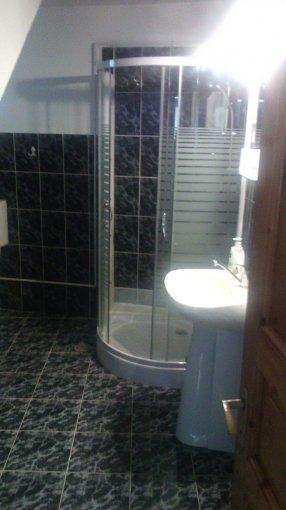 Birou de inchiriat Turnisor Sibiu cu 5 camere, cu 1 grup sanitar, suprafata 150 mp. Pret: 450 euro.