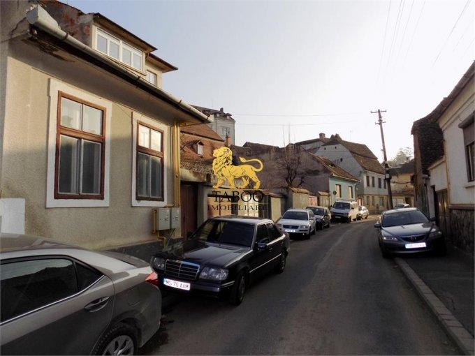 vanzare Casa Sibiu cu 1 camera, 1 grup sanitar, avand suprafata utila 49 mp. Pret: 63.000 euro. agentie imobiliara vand Casa.