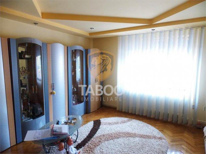Calea Poplacii Sibiu casa cu 1 camera, 1 grup sanitar, cu suprafata utila de 47 mp, suprafata teren 225 mp si deschidere de 10 metri. In orasul Sibiu Calea Poplacii.