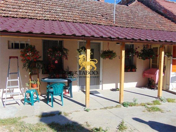 Casa de vanzare direct de la agentie imobiliara, in Sibiu, cu 65.000 euro. 1 grup sanitar, suprafata utila 90 mp. Are  2 camere.