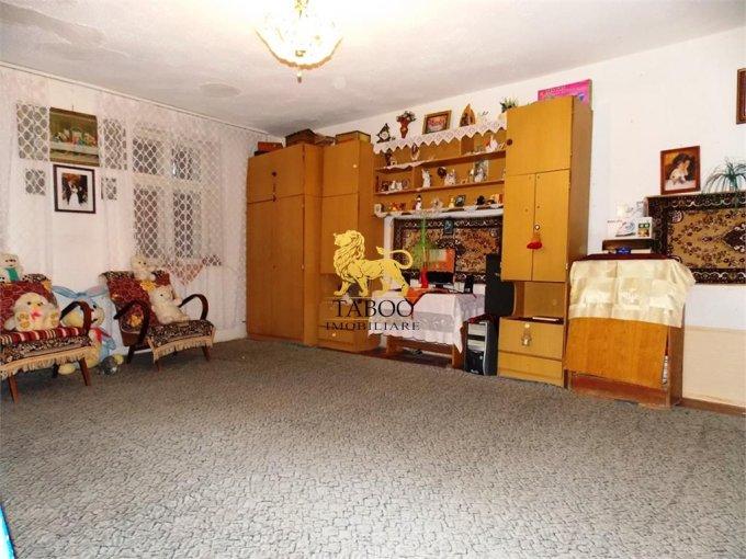 vanzare Casa Sibiu Orasul de Jos cu 2 camere, 1 grup sanitar, avand suprafata utila 52 mp. Pret: 26.500 euro. agentie imobiliara vand Casa.