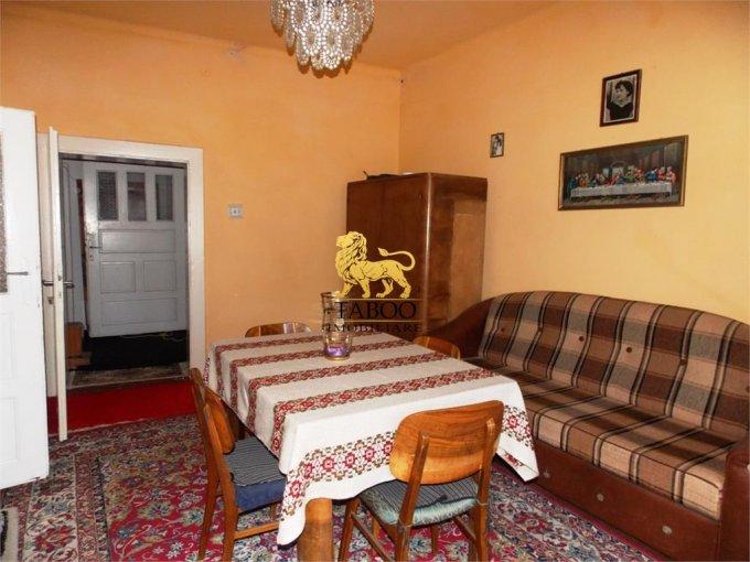 Casa de vanzare direct de la agentie imobiliara, in Talmaciu, cu 54.900 euro. 1 grup sanitar, suprafata utila 90 mp. Are  3 camere.
