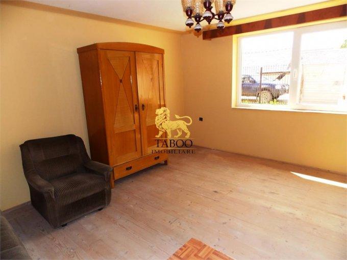 vanzare Casa Sibiu cu 3 camere, cu suprafata utila de 100 mp, 2 grupuri sanitare. 56.000 euro.. Casa vanzare Turnisor Sibiu