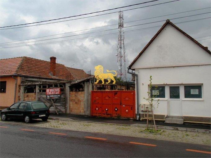 Casa de vanzare direct de la agentie imobiliara, in Sibiu, zona Piata Cluj, cu 119.000 euro. 1 grup sanitar, suprafata utila 95 mp. Are  3 camere.