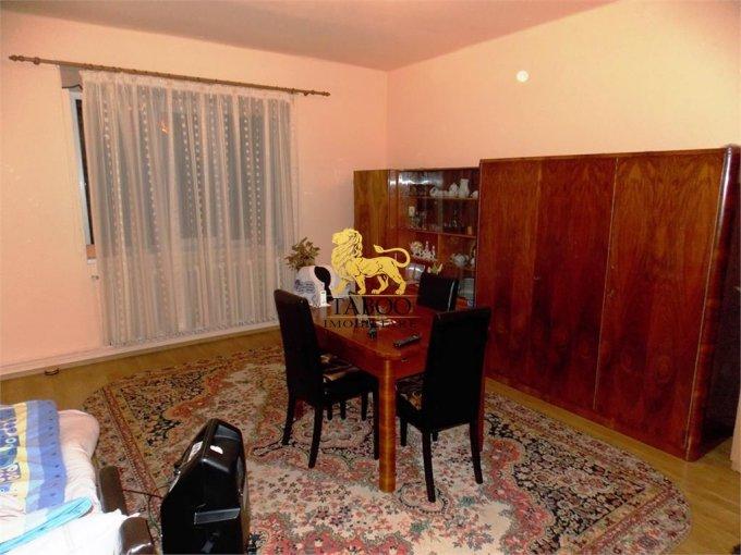 Casa de vanzare direct de la agentie imobiliara, in Sibiu, zona Lazaret, cu 105.000 euro. 1 grup sanitar, suprafata utila 140 mp. Are  3 camere.