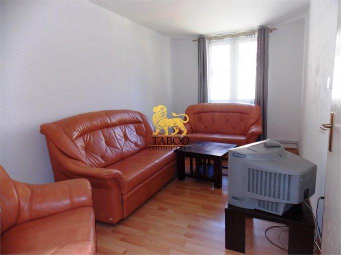 Casa de inchiriat direct de la agentie imobiliara, in Sibiu, zona Trei Stejari, cu 250 euro. 1 grup sanitar, suprafata utila 80 mp. Are  3 camere.