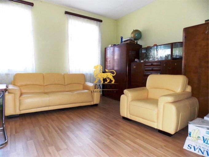Casa de vanzare direct de la agentie imobiliara, in Sibiu, zona Gara, cu 105.000 euro. 1 grup sanitar, suprafata utila 85 mp. Are  3 camere.